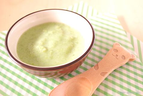 ブロッコリーとさつまいもの豆乳スープ