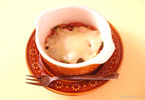 ブロッコリーとトマトのチーズのせ