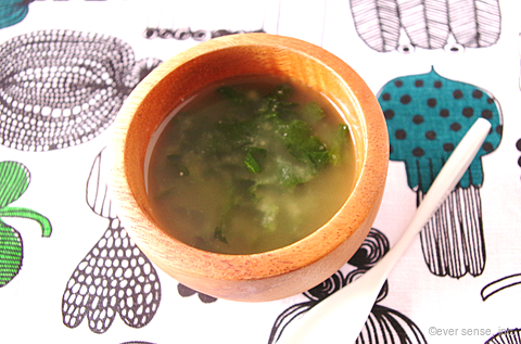 高野豆腐とモロヘイヤのお味噌汁