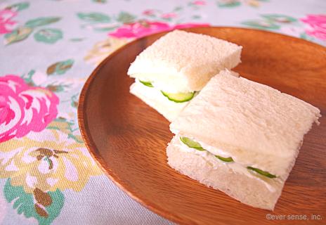 きゅうりとヨーグルトのサンドイッチ